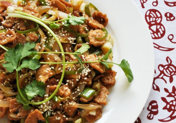 洋葱韭菜炒素肉