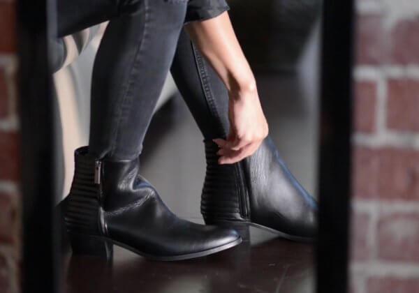 如果让时间逆转,你脚上的皮鞋会经历怎样的过去?