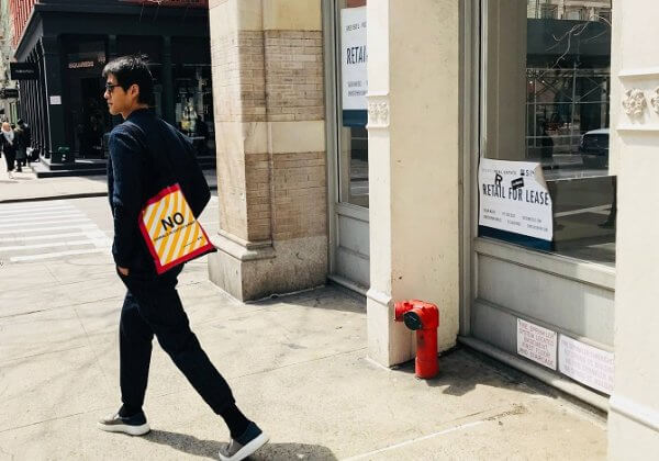 PETA和艺术家梅乐推出联名合作系列的环保袋